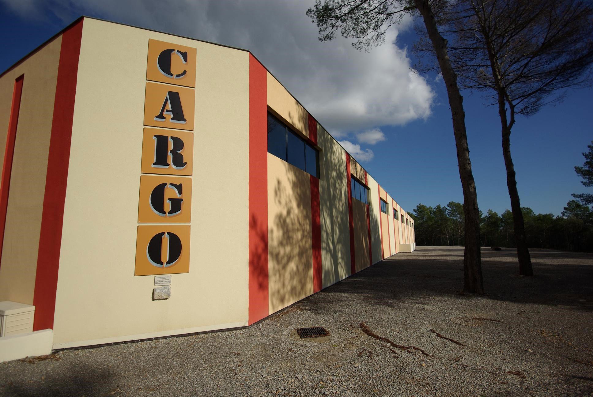 cargo-02
